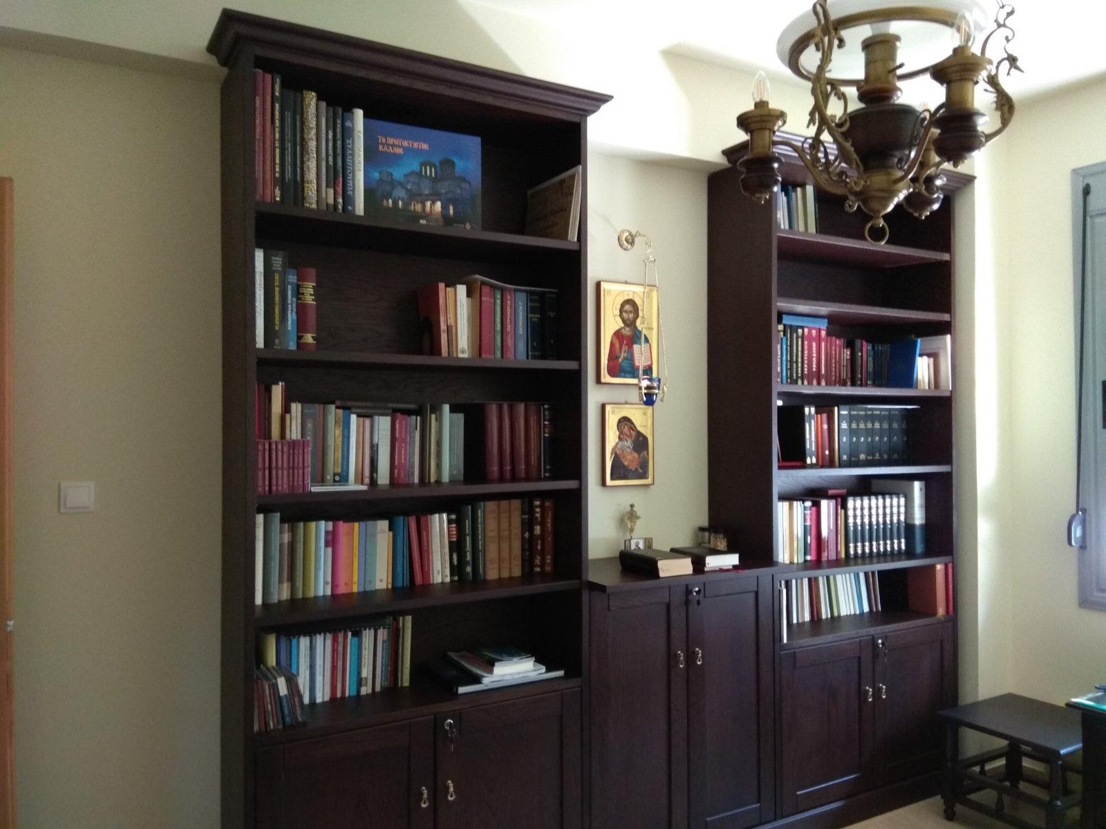 Βιβλιοθήκη σε κλασικό ύφος