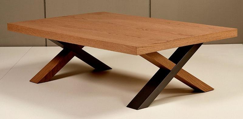 Τραπέζι σαλονιού με λιτές γραμμές