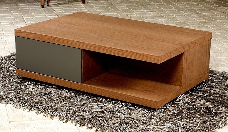 Μοντέρνο τραπέζι σαλονιού με άψογο σχεδιασμό